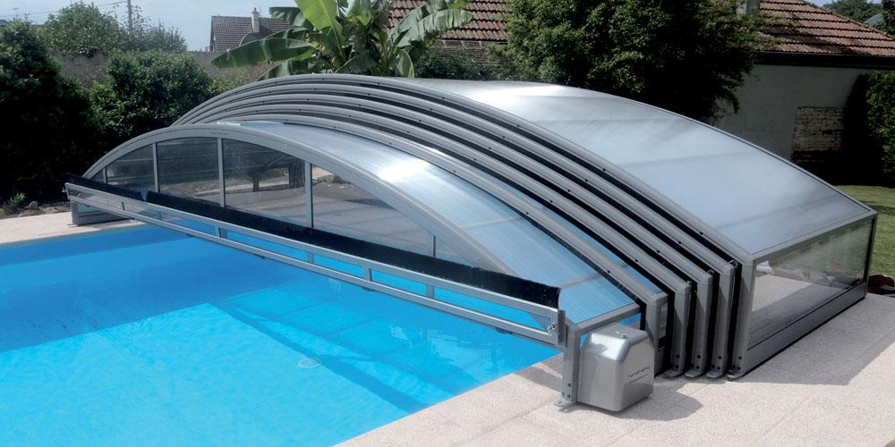 Un abri pour profiter de la piscine tout au long de l ann e for Tout pour la piscine
