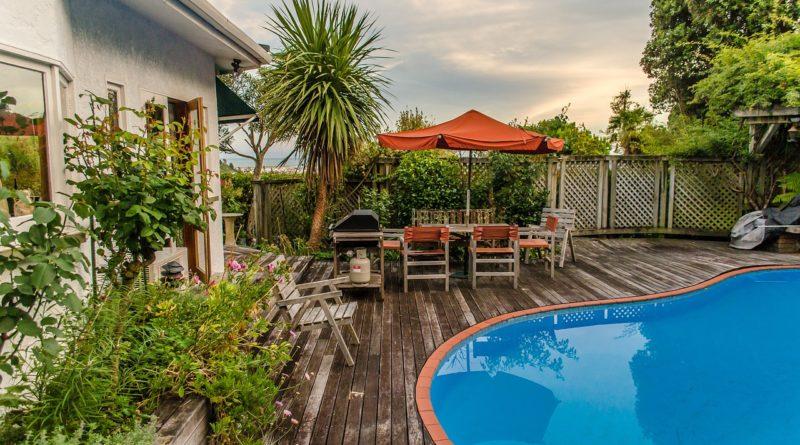 Maison avec terrasse et piscine