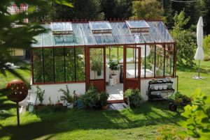 Serre et jardin