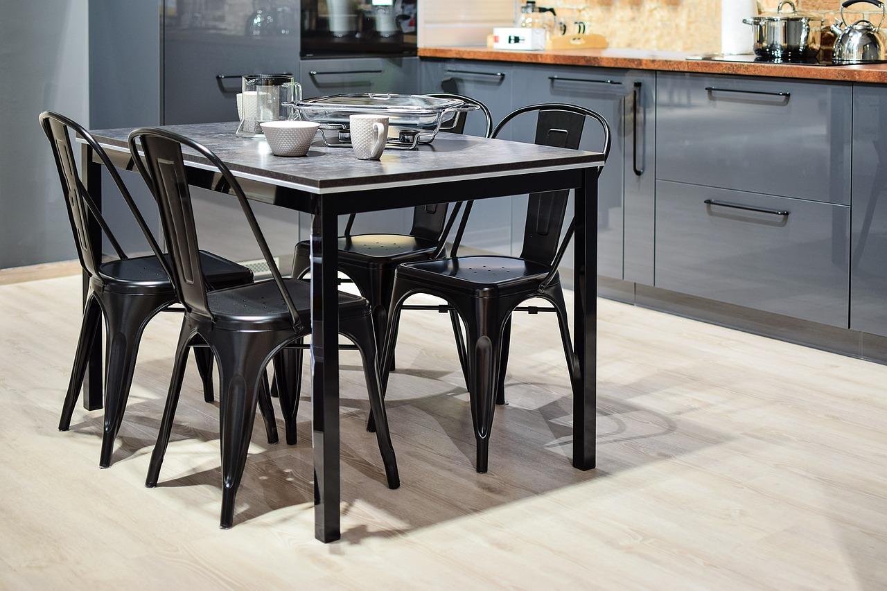 Cuisine Une Chaise Ou Un Pour Comment Salon Choisir Nn0Ovmw8