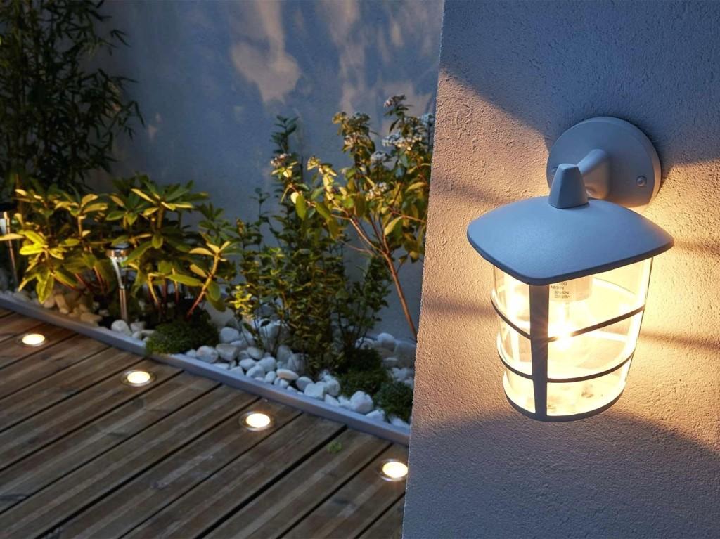 Luminaire d 39 ext rieur un guide pour choisir au mieux - Luminaire escalier maison ...