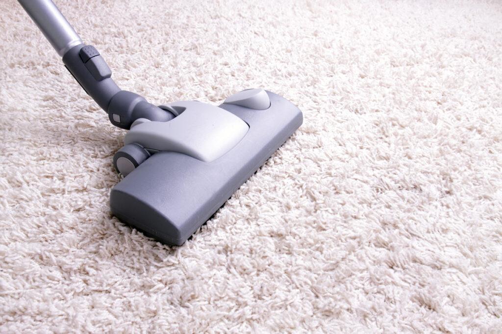 Nettoyer un tapis en laine