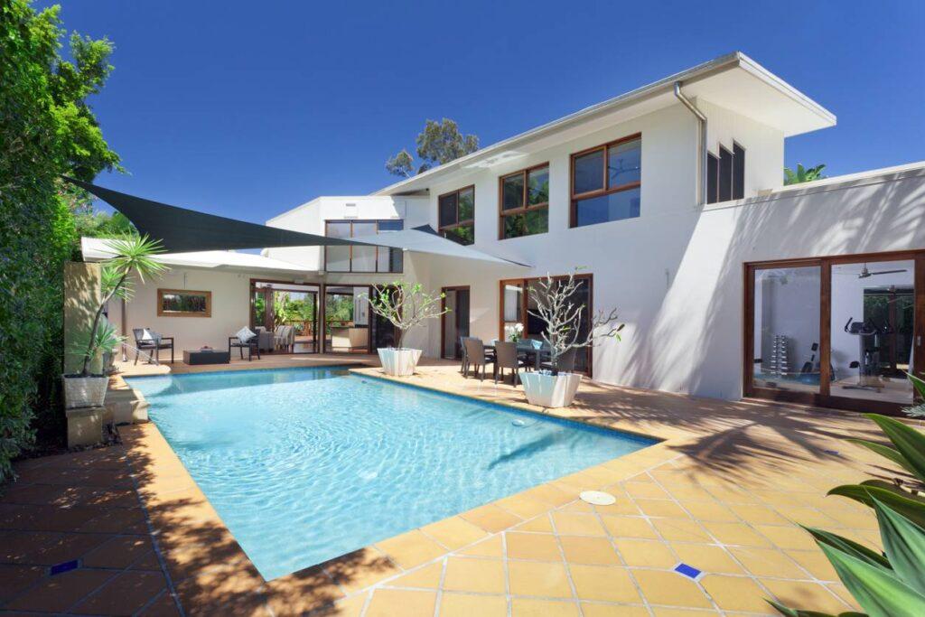 Aménager une piscine au coeur de la maison